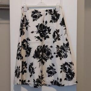 Linen skirt, size 4-6.